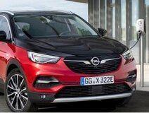 Blog - Opel Grandland X Hybrid4 plug-in hybride beschikbaar vanaf € 44.149,-
